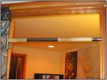 My expandable doorway pull up bar, photo 1.