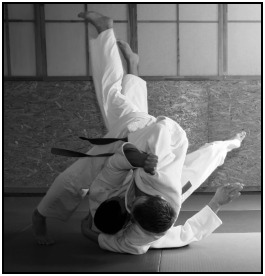 Sports like Judo require endurance to perform at your best several minutes into a match. One method of getting an edge, then, is strength endurance training.